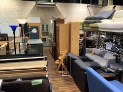 <リサイクルバナナ苫小牧店>家具大量入荷!箪笥や食器棚 ダイニングテーブルも!